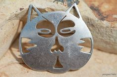 Funny sterling silver cat face pin. Vintage Mexican Taxco. Love kitties!