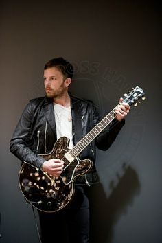 Caleb Followill (At the Forum, Los Angeles). Pic by Ross Halfin
