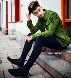 Wish you were a cucumber. Zayn Malik News, Zayn Malik Style, Zayn Malik Photos, Rebecca Ferguson, Liam Payne, Nicole Scherzinger, Zany Malik, Harry Styles, Skinny Fashion