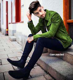 Wish you were a cucumber. Zayn Malik News, Zayn Malik Style, Zayn Malik Photos, Zany Malik, Justin Bieber Style, Skinny Fashion, Stylish Boys, Mens Style Guide, Cute Girl Face