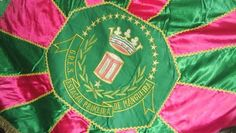 "MANGUEIRA - Brazilian ""escola de samba"". Love love love the colors!"