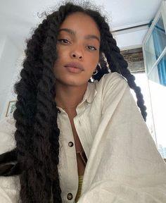 Black Girl Aesthetic, Aesthetic Hair, Black Girls Hairstyles, Afro Hairstyles, Hair Inspo, Hair Inspiration, Curly Hair Styles, Natural Hair Styles, Beautiful Black Girl