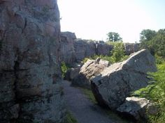 http://highwayhighlights.com/2013/01/top-10-coolest-towns-in-minnesota/