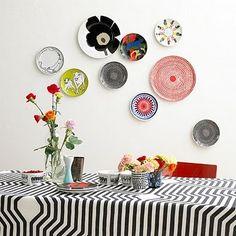Plates, wall-mounted