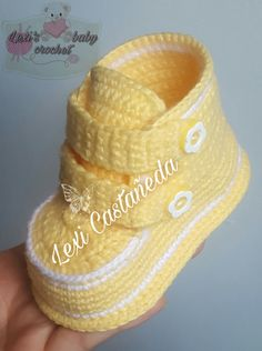 Unisex baby booties, crochet baby shoes, boots, baby sneak – Baby For look here Crochet Baby Boots, Booties Crochet, Crochet Baby Clothes, Crochet Shoes, Crochet Slippers, Baby Booties Free Pattern, Baby Shoes Pattern, Shoe Pattern, Christening Shoes