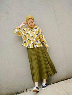 55 Ideas For Style Hijab Casual Gamis Hijab Casual, Ootd Hijab, Hijab Jeans, Hijab Chic, Modern Hijab Fashion, Street Hijab Fashion, Muslim Fashion, Look Fashion, Hijab Street Styles