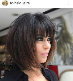 One of the hair I loved the most. Beautiful modern and chic. One of the hair I loved the most. Medium Hair Cuts, Short Hair Cuts, Medium Hair Styles, Short Hair Styles, Messy Hairstyles, Pretty Hairstyles, Full Fringe Hairstyles, Mg Hair Design, Bob Hairstyles