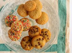 Amazing cookies with 3 ingredients – idiva. Cooking Cookies, Coconut Cookies, 3 Ingredients, Cake Toppers, Cookie Recipes, Biscuits, Good Food, Food And Drink, Sweets