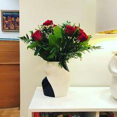 Oh yes... the vase! True love  _____________________________ #urban_pottery #slowmade #ceramics #ceramicvase #flowerpower #blackandwhite #flowerstagram #instapottery #housewares #instapottery #pottery #contemporarycraft #contemporaryceramics #tableware #handcrafted #handpainted #ceramicart #interiordesign #functionalceramics #potteryforall #designermaker