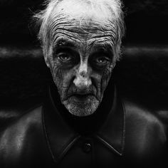 Haunting Photographs of the Homeless by Lee Jeffries    http://www.flickr.com/photos/16536699@N07/sets/72157622905229717/