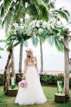 50 Green Wedding Theme Ideas Using Tropical Leaves