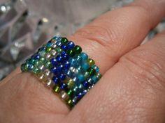 Ring Aqua aus Mini perlen in petrol grün und blau von kunstpause auf DaWanda.com
