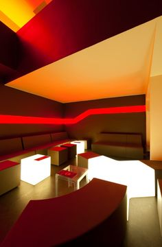Llmonada coctail bar Belgium with furniture from SixInch