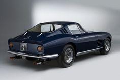 E' da sempre considerata una delle Rosse più belle mai realizzate. Non a caso fu a lungo l'auto personale di Pinin Farina...