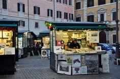 Piazza Borghese (photo Luca Semplicini)