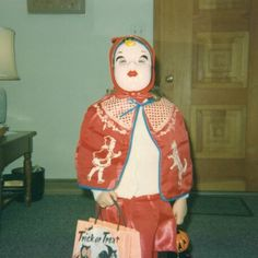 Unnecessary masks are even creepier! Little Red Riding Hood Creepy Old Pictures, Vintage Photographs, Vintage Photos, Boxing Halloween Costume, Vintage Halloween Photos, Vintage Fall, Red Riding Hood, Vintage Colors, Vintage Costumes