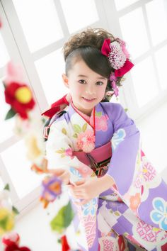 Japanese kimono little girl.  Photo by らかんスタジオ 七歳 #japan #kimono