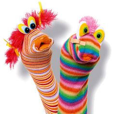 fun with sock puppets - my mom use to play with me with these ALL the time when I was a kid, need to remember to pass that on