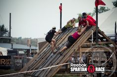 Help your brother and sister!  You're in it together, Spartans!    #SpartanRace #Fitness #Goals #Dedication