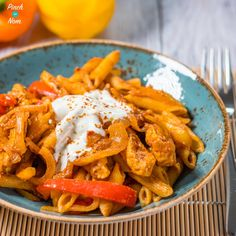 This Syn Free Chicken Fajita Pasta is a great alternative to using wraps - and a proper tasty, Slimming World friendly meal for the whole family! Easy Slimming World Recipes, Slimming World Dinners, Slimming Eats, Healthy Pastas, Healthy Dinner Recipes, Healthy Foods, Healthy Eating, Cooking Recipes, Healthy Sides For Burgers