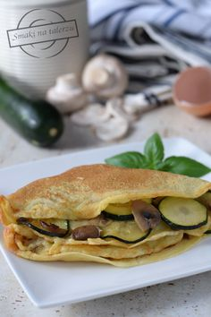 Naleśniki z pieczarkami i cukinią – Smaki na talerzu Salmon Burgers, Mozzarella, Pancakes, Sandwiches, Cooking, Breakfast, Ethnic Recipes, Food, Kitchen