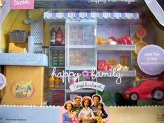 Barbie Happy Family Shopping Fun Playset Supermarket (2004) by Mattel, http://www.amazon.com/dp/B002U1Q60A/ref=cm_sw_r_pi_dp_0egvrb09Y8X82