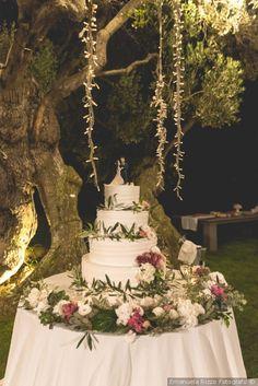 Torta nuziale #matrimonio #nozze #sposi #sposa #torta #tortanuziale #wedding #weddingcake #ricevimento #torteapiani Tuscan Wedding, Our Wedding, Dream Wedding, Torte Cake, Deco Table, Wedding Cakes, Wedding Decorations, Weeding, Party