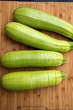 DOVLECEI IMPANATI CU SUNCA SI CASCAVAL | Diva in bucatarie Vegan Recipes, Cooking Recipes, Deli Food, Lasagna, Risotto, Zucchini, Food And Drink, Vegetables, Vegane Rezepte