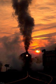 Il voyage à travers les USA pour photographier les vieux trains, les machines…