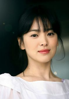 Song Hye-kyo (송혜교) - Female - (She is an amazing actress. She's younger in this picture. Korean Beauty, Asian Beauty, Beauty Around The World, Korean Artist, Korean Celebrities, Celebs, Korean Actresses, Portrait, Angels On Earth