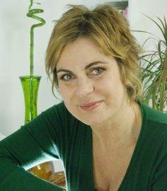 Δημιουργία - Επικοινωνία: Σοκ: Αγνοείται η γνωστή ηθοποιός Χρύσα Σπηλιώτη! Λ... Blog, News, Blogging
