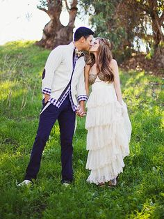Dominic Briones and Daniele Donato from Big Brother wed in a relaxed #hippie #outdoor #casual #wedding