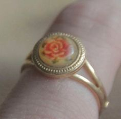 Vintage Avon Rose Ring for girls. Jeez I'd like one of these... it's really pretty :)