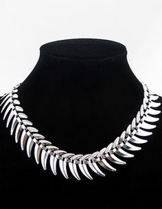Fashion Silver Thorns Necklace