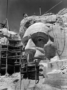 size: Photographic Print: Scaffolding around Head of Abraham Lincoln, Partially Sculptured During Mt. Rushmore Construction by Alfred Eisenstaedt : Artists Mont Rushmore, Us History, American History, American Presidents, American Symbols, Road Trip Usa, Old Pictures, Old Photos, Vintage Photos