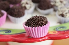 Brigadeiros: Brazilian truffles with 70% cocoa and chocolate sprinkles