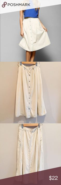 Boho Urban Outfitters white denim wash midi skirt Gorgeous skirt in perfect condition. Very soft white denim (BDG) Urban Outfitters Skirts Midi