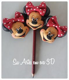 Disney Paper Dolls, Minnie Y Mickey Mouse, Pencil Toppers, Pasta Flexible, Foam Crafts, Creations, Clay, Animation, Christmas Ornaments