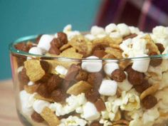 Get this all-star, easy-to-follow Chewy S'mores Snack Mix recipe from Hungry Girl