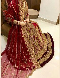 Pakistani Dresses Party, Asian Wedding Dress Pakistani, Pakistani Bridal Couture, Asian Bridal Dresses, Wedding Dresses For Girls, Pakistani Dress Design, Party Wear Dresses, Bridal Outfits, Bridal Lehenga Choli