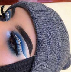 blue eyeshadow looks - blue eyeshadow . blue eyeshadow looks . blue eyeshadow looks step by step . blue eyeshadow for brown eyes . blue eyeshadow looks for brown eyes . blue eyeshadow for black women . Glitter Eye Makeup, Eye Makeup Art, Blue Eye Makeup, Glam Makeup, Cute Makeup, Eyeshadow Makeup, Eyeshadow Palette, Fall Eye Makeup, Eyeshadow Ideas