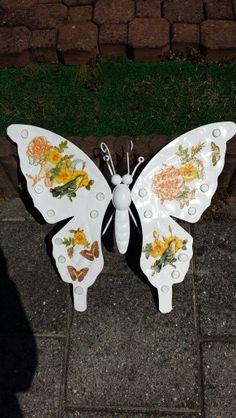 Vlinder met servetten bewerkt.