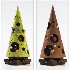 Chocolate Work, Chocolate Stores, Chocolate Pastry, Chocolate Dreams, Homemade Chocolate, Christmas Log Cake, Chocolate Christmas Gifts, Christmas Themes, Christmas Desserts