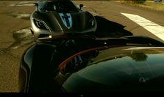 Bugatti Veyron Vitesse vs Koenigsegg Agera R - The Ultimate Supercar Showdown! (Video)
