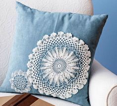 DIY Lace Decorated Pillow. Get the tutorial