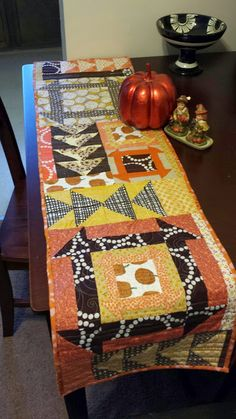 Quilty Habit: Reversible Thanksgiving/Halloween Table Runner