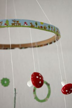 artsy ants: diy toys :: a dreamy mobile