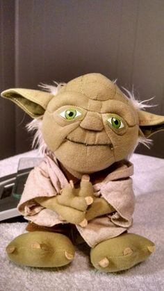 Star Wars Talking Yoda Plush Stuffed Toy Talks 2011 Lucasfilm Underground Toys