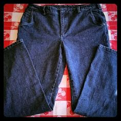 Nice Pair Of Duluth Blue Jeans! These jeans are a darker blue color and are not faded much at all. They are also a heavier jean material. Has one side pocket on the right leg, along with front and back pockets. They are in wonderful condition! Made by Duluth Trading Co. 99% cotton, 1% spandex. They do not stretch much though. Size 14 by 33. Duluth Trading Co. Jeans Boot Cut