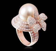 Anillo anillo de la perla del mar del sur del Mar del Sur de perlas con diamantes engastados en oro de 18 quilates se elevó .: